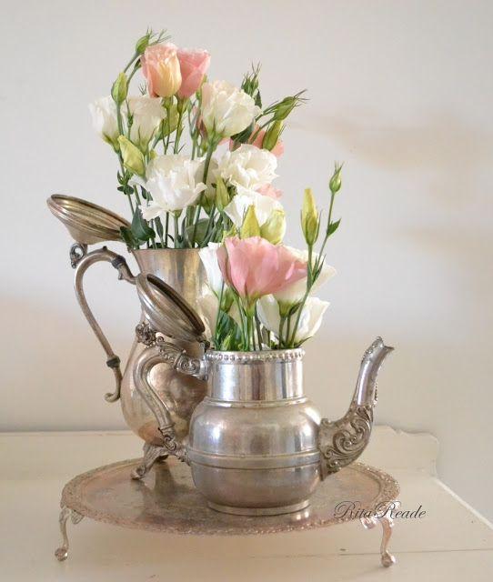 lisianthus wit en roze in tinnen potjes