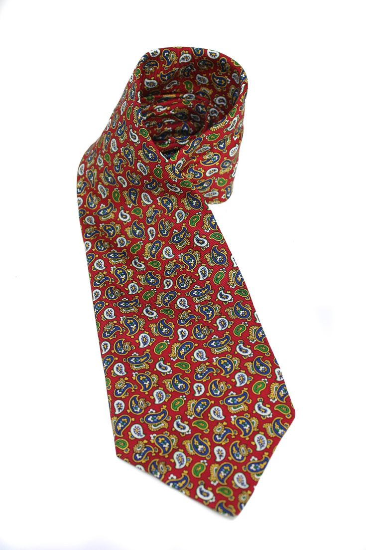 Vintage silk necktie from Salmone. Paisley print in different colors. Pure silk. Length: 148cm. Width: 10cm.