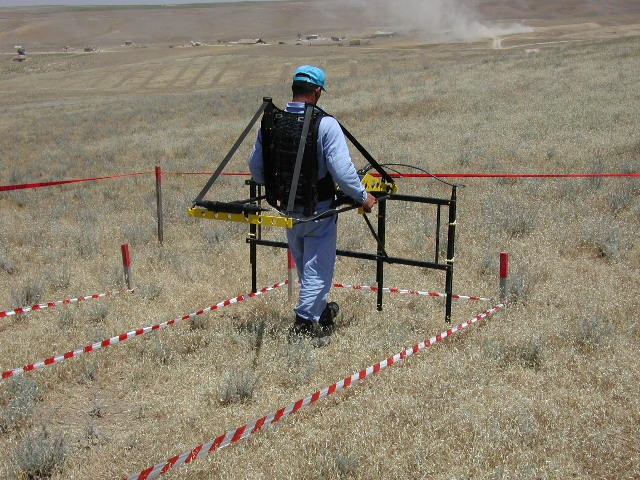 Mine clearance in Nasosnu, Azerbaijan, 2008 by UNDP in Europe and Central Asia, via Flickr