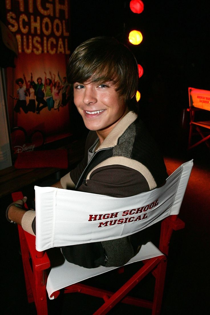 Before Zac Efron bulked into a Greek marble statue, he was a dancing theater kid and the star of <i>High School Musical</i>. Remember this boy from 2006?