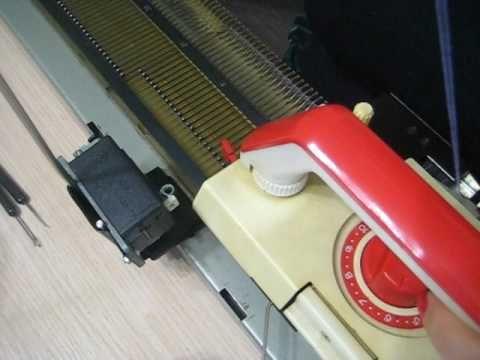 Нева-5 Начало вязания.Работа рычагов на каретке.