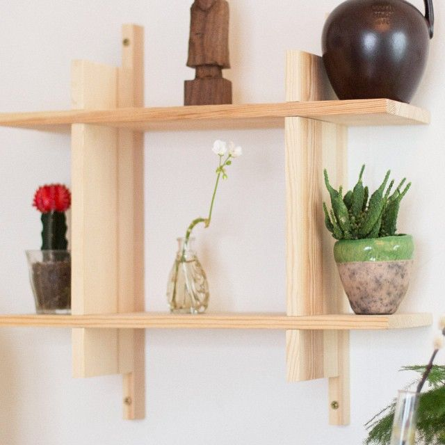 Shelf in solid pine wood. #joinery