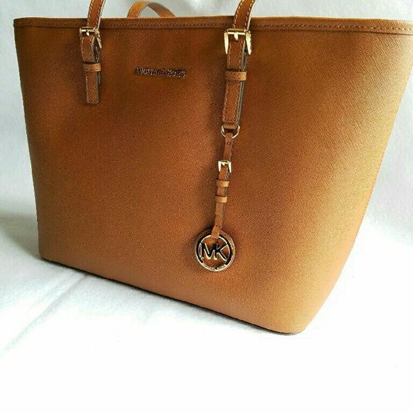 ❤Sale!!! MICHAEL KORS TOTE Brand new authentic Michael kors tote/ beautiful large bag Michael Kors Bags Totes