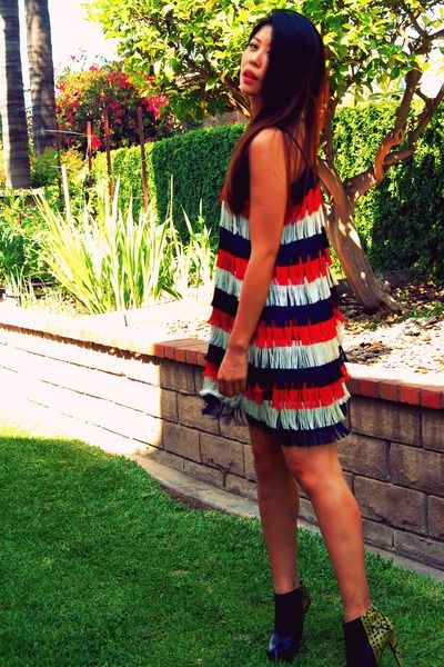 Independence Day Stripes worn beautifully by a fashionista lawyer from LA!  Ivana Helsinki dress. #streetstyle
