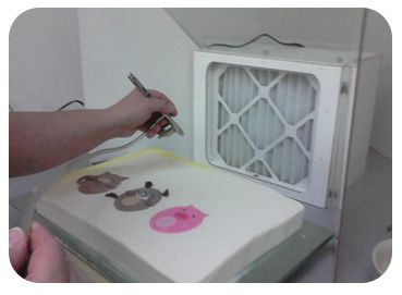 Cake Decorating Airbrush Booth : Airbrush cake, Brushes and Action on Pinterest