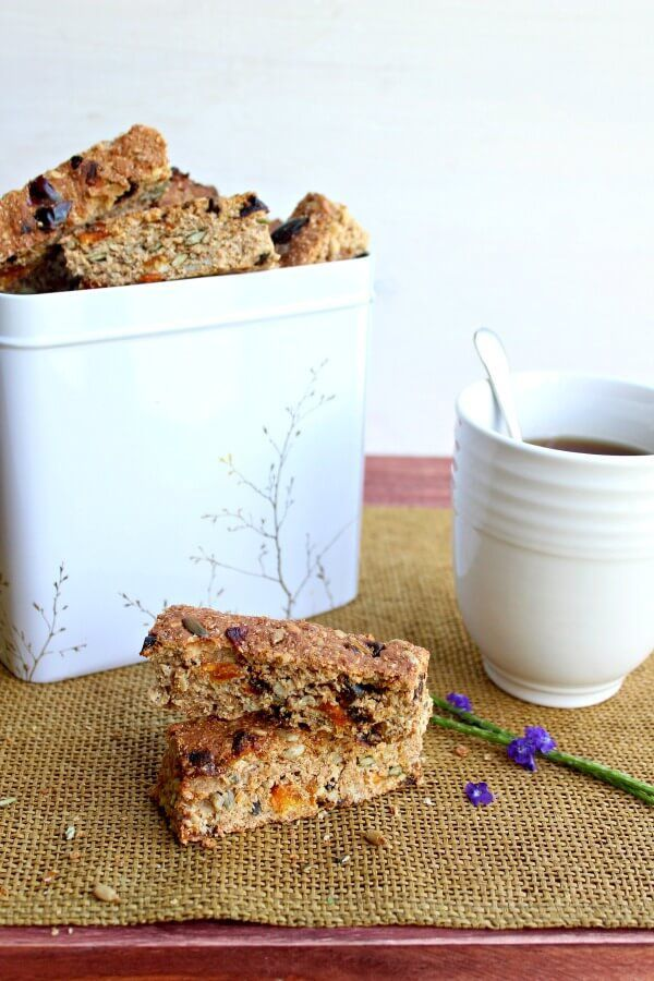 Mango Date Brown Flour Muesli Rusks. A healthy South African rusk recipe that is easy to make, naturally sweetned and packed full of goodness!   berrysweetlife.com