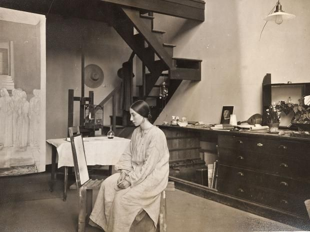 Winifred Knights, seen in the British School in 1923, was the first woman to hold the Rome Scholarship