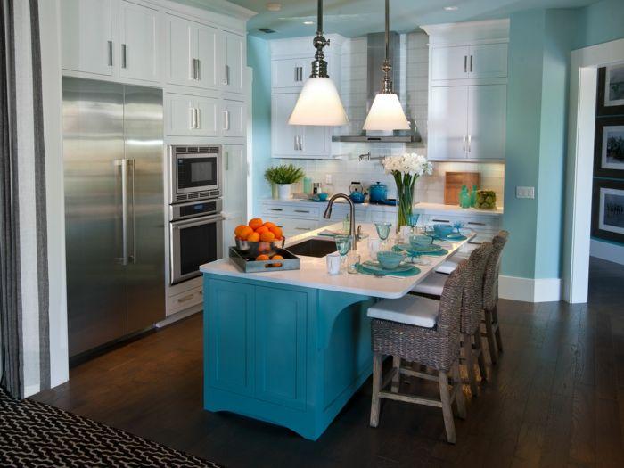 wandfarbe küche blau blaue kleine küche einrichten pendelleuchten