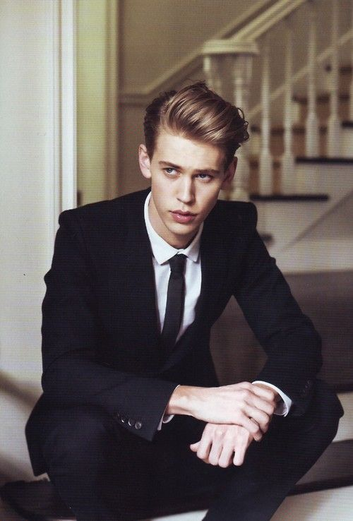 Austin Butler! Been on my radar since Zoey 101, but now he plays Sebastian in The Carrie Diaries (: