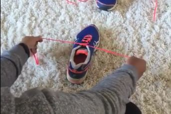 Millions Of Parents Are Thanking This Mom For Her Shoe-Tying Tutorial | Scary Mommy | Bloglovin'