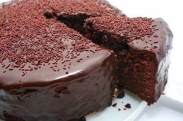 """""""Божественный кекс""""<br><br>Этот шоколадный кекс именно то, что надо когда хочется чего то супер шоколадного. Шоколадный внутри, покрытый шоколадной глазурью снаружи, этот кекс просто мечта.<br>Шоколадный кекс – блюдо универсальное, его можно подать к столу и в будни, и не стыдно поставить на праз.."""