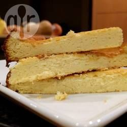Een hele lichte cheesecake, low carb en glutenvrij, maar toch erg lekker! Het wordt ook wel Japanse cheesecake, soufflé cheesecake of cotton candy cheesecake genoemd.