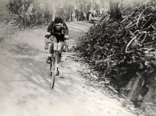 Giro di Lombardia 1926, 31 ottobre. Brinzio. Alfredo Binda (1902-1986)
