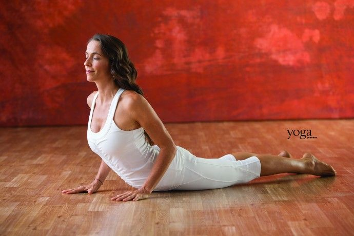 Kundalini Yoga /posture 4 d'un Kryia puissant (série 13 postures) pour le renforcement des abdominaux