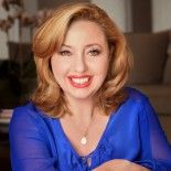 Agapi Stassinopoulos, author of Unbinding the Heart: A Dose of Greek Wisdom, Generosity, and Unconditional Love, comes to HER to teach us the art of letting go – of constant self-judgment, insecurities, your professional definition & limiting perceptions, of bottling up emotions and delaying happiness.  What a useful episode of HER!