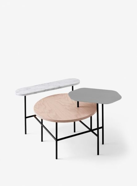 &tradition Palette Table JH6:  Salong- og sidebord med tøffe materialkontraster! Bordplater i rustfritt stål, hvit Bianco Carrara marmor og blek rosa-lasert ask. Ben i