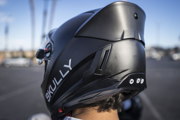 3 amazing helmets for bikers of the future