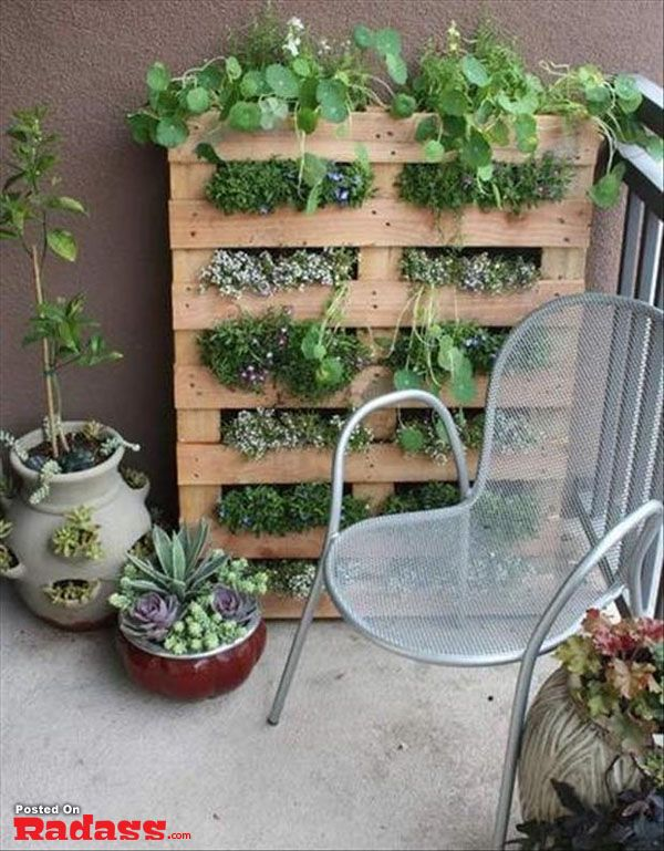 what to do with old pallets- The amount of awesome on this page is just mind-blowing. :D