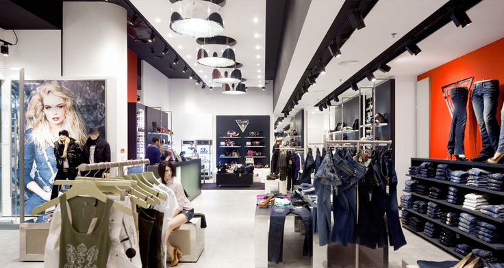 Loja da Guess no Centro Comercial Amoreiras em Lisboa, Portugal
