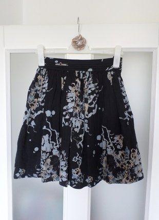 Kaufe meinen Artikel bei #Kleiderkreisel http://www.kleiderkreisel.de/damenmode/high-waist-rocke/152273235-dunkelblauer-leichter-rock-mit-blumenmuster