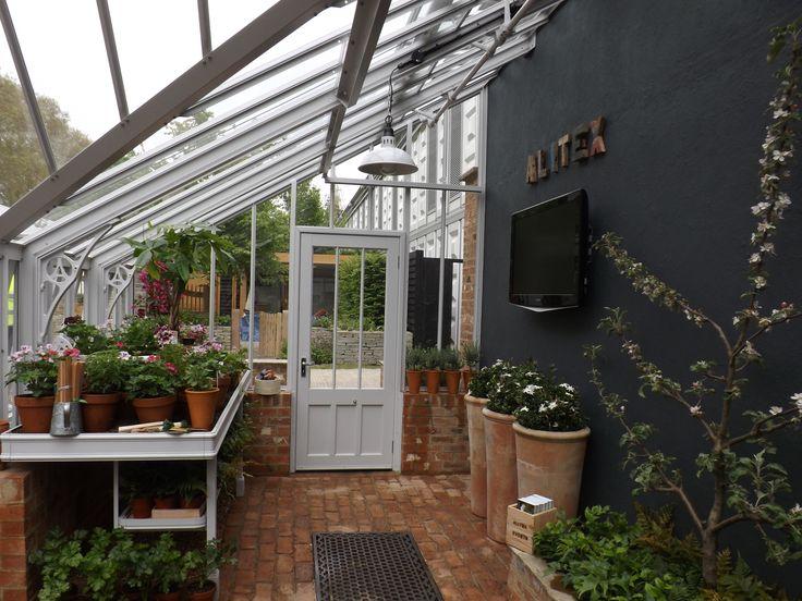 Alitex Pultdah AnlehnGewächshaus auf der RHS Chelsea Flower Show 2012