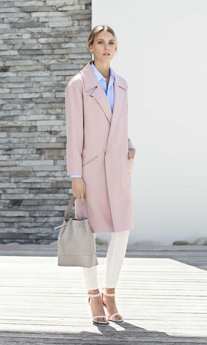 manteau rose pâle et pantalon blanc les dernieres tendances de la mode