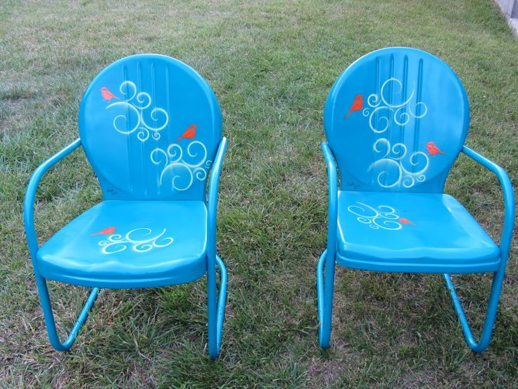 The old metal chairs I refinished with some spray paint and fun stencils!