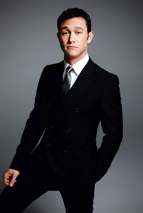 why does he always look so damn good? #JGL