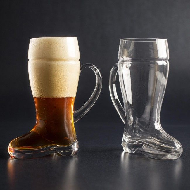 Boots always come in a pair of two, and the Das Beer Boot Glasses are no exception. These wonderfully crafted mugs are shaped like a boot and can hold 700ml. Perfect for every celebration.