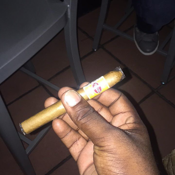 Memeber the dayz?? @meanis101  tryna tagg Tariq..and larry.. but it na happening idk what #phillies #cigar #flavored #honey #grenada #christmas eve