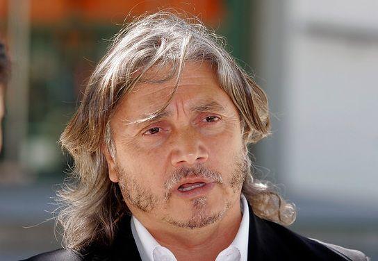 Justicia le incauta dos vehículos al senador Alejandro Navarro por deudas impagas