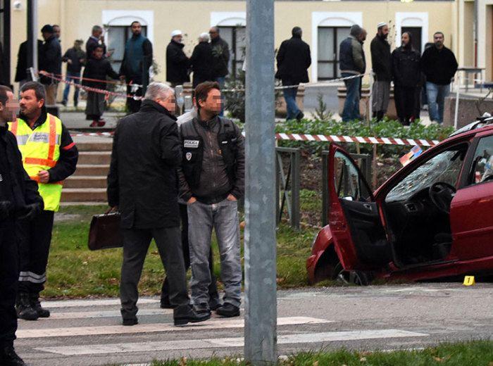 BFMTV - Actualités en continu et info en direct et replay(Valence: ce que l'on sait du conducteur qui a foncé sur des militaires