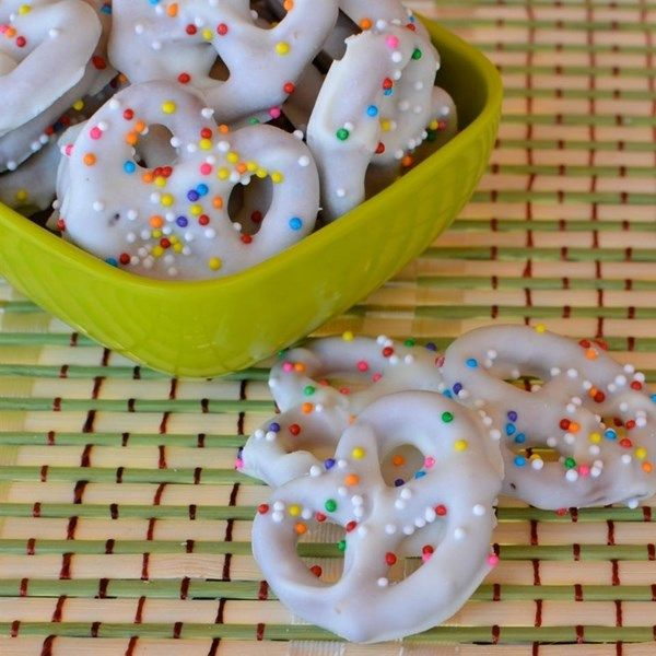 """White Chocolate Covered Pretzels 