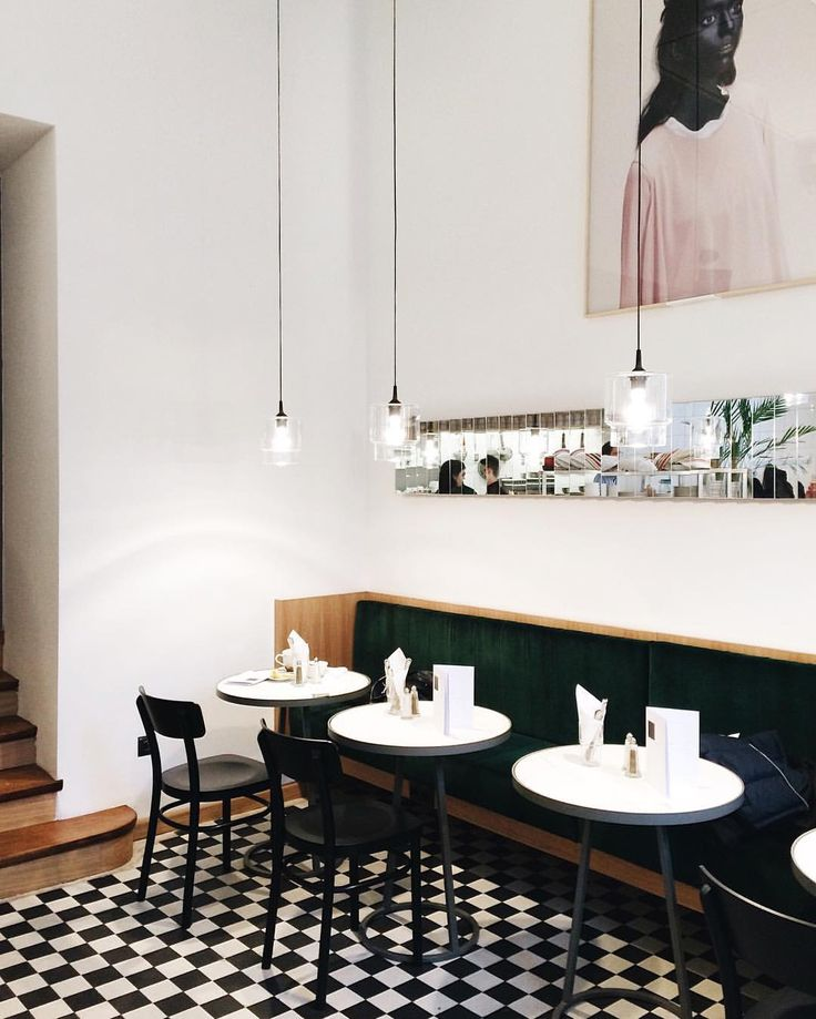 """Krem, Warsaw """"@krem_warszawa - nasz mały Paryż w centrum Warszawy  #madelle #warsaw #placetobe #restaurant…"""""""