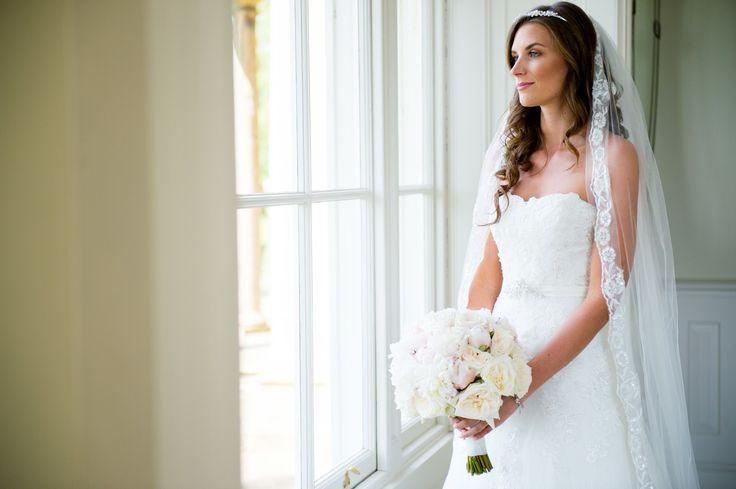 Enzoani  Lace Bride Wedding dress Peony Ivory