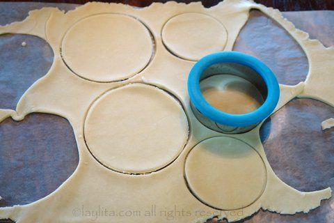 Faire des disques avec la pate d'empanada