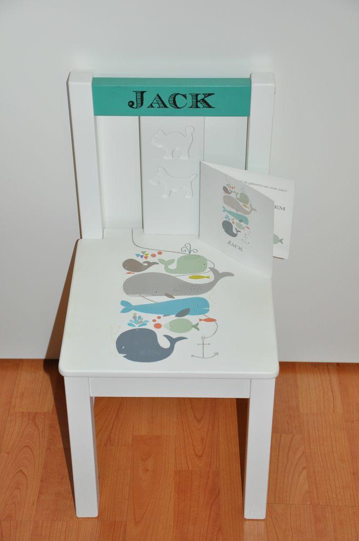 Kinderstoeltje gebaseerd op geboortekaartje. Origineel geboortecadeau!