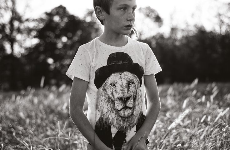 kid's wear Vol.44 - photo by Tytia Habing – Phenomena - t-shirt Soft Gallery