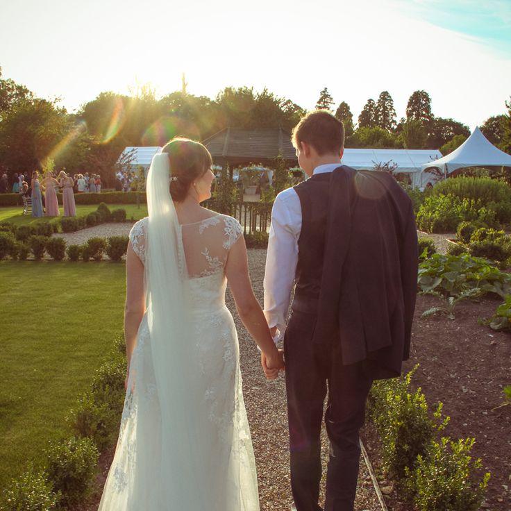 I  love the low evening sun, perfect for romantic photos of bride and groom #wedding #weddingphoto #weddingphotography #weddingideas #secretgardenkent #photography #kentwedding #kent #lowlightphotography #romance #love