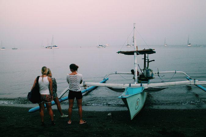Tidig morgon i Lovina för att se vilda delfiner.