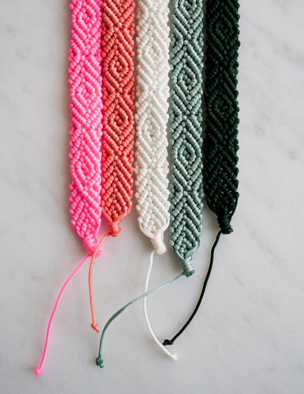 Monochrome Friendship Bracelets | The Purl Bee