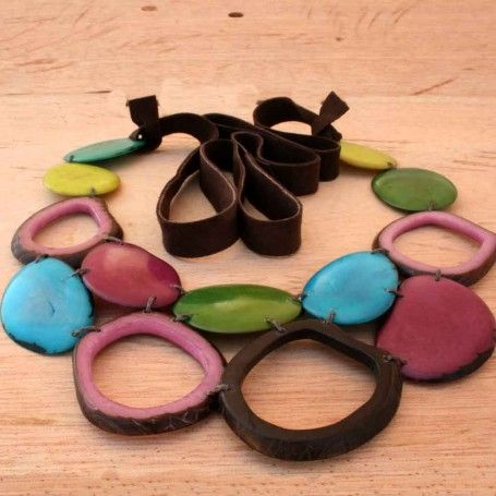 Tagua Multicolor Beaded Necklace with Earrings #handmade #organic #bib http://www.artisansintheandes.com/beaded-necklaces-bib-necklace-chunky/beaded-necklaces-bib-tagua-nut-multi