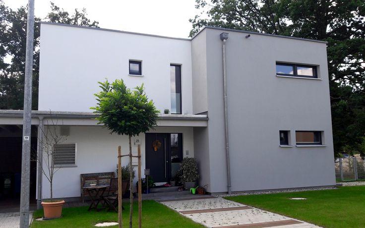 Einfamilienhaus modern holzhaus flachdach modern fenster for Eingangsbereich haus modern