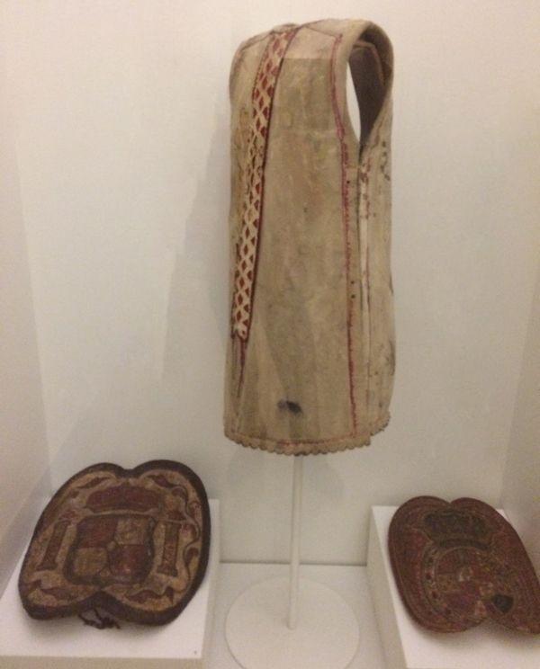 Bandolera y Adargas de presidiales 1750 Nuevo Mexico. Museo del Ejército (Toledo)