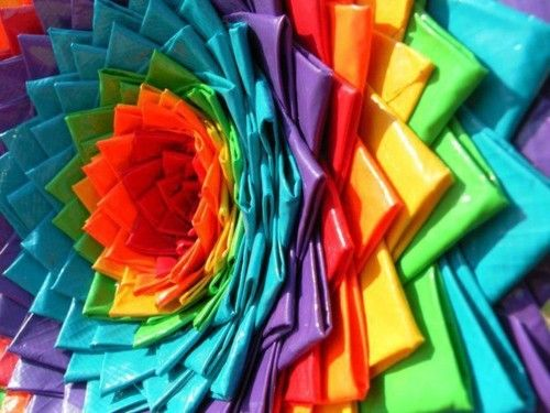 sing-a-song-of-rainbows:    ◕‿◕Click for total rainbow colour immersion◕‿◕