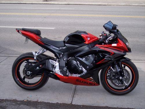 Suzuki GSXR black & red