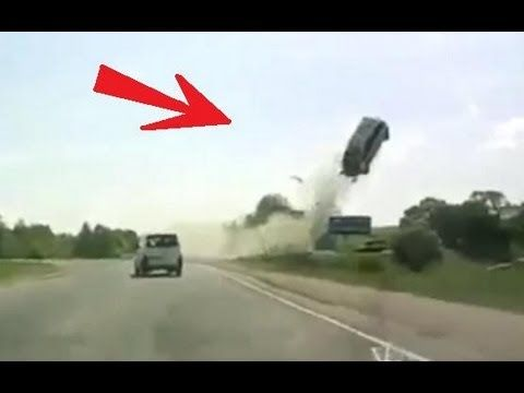 Horrible accident in Russia FRONT TIRE EXPLOSION / Tyre Burst FATAL CRASH