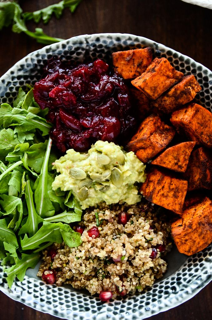 Grab-N-Go Sweet Potato, Cranberry and Quinoa Power Bowl | The perfect prepare-ahead meal that's packed with protein, vitamins + antioxidants to fuel a busy week!
