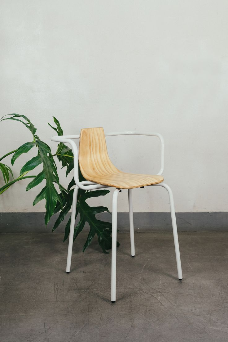Broom chair for emeco in 2012 to showcase the properties of a new wood - Silla Prado 1