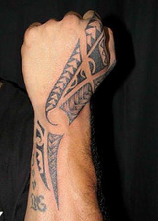 20 Maori Tattoos On Hand Ideas And Designs